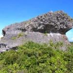 下地島巨岩(帯岩)
