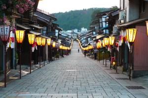 諏訪町本通り(越中八尾)
