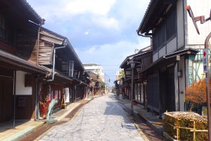 高岡金屋町の家並み(高岡市金屋町伝統的建造物群保存地区)