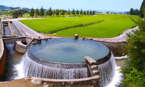 片貝川東山円筒分水槽