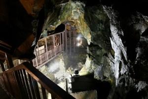 銀鉱洞(延沢銀山跡)