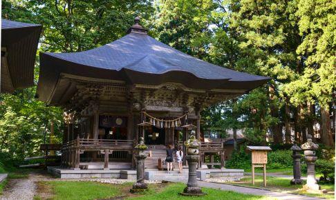 羽黒山開山堂・蜂子神社
