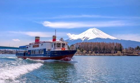 河口湖遊覧船「アンソレイユ」