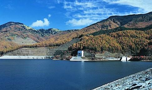 大菩薩湖(上日川ダム)