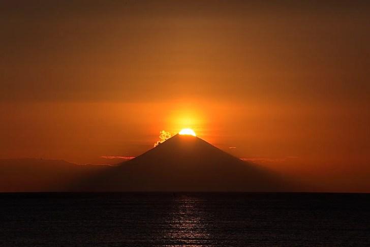 原岡海水浴場ダイヤモンド富士