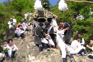 繖峰三神社『伊庭の坂下し祭』