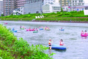 盛岡・北上川ゴムボート川下り大会
