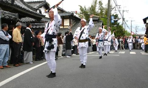 小津神社『長刀振り』