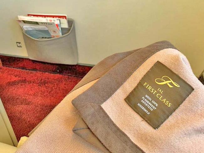 JAL 国内線ファーストクラス搭乗記 機内食やシート【JAL修行にも使える】