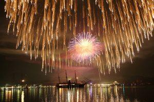 福良湾海上花火大会