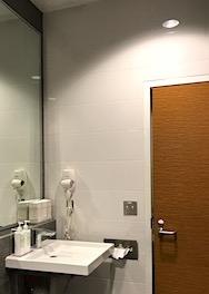 ラウンジのシャワールーム