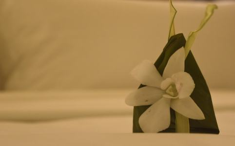 ベッドの上の花