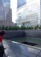 9.11メモリアルパーク。人口の滝が二つ。それは現実なのだと思うと、とてもつらく…