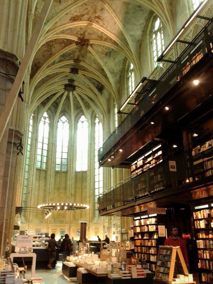 オランダ南東部、ベルギー・ドイツの国境近く、世界で一番美しい都市マーストリヒトへ。