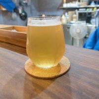 「ラティスワーク ブリューイング」居心地の良い和モダンな空間で フルーティーなクラフトビールを楽しめる