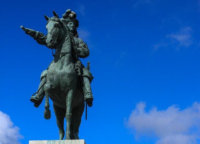 Louis XIV statue