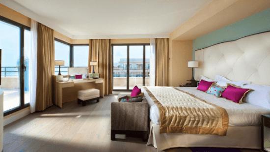 20141122-201-12-nice-france-hotel