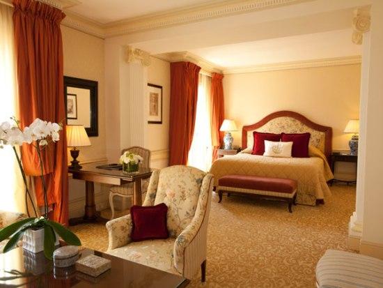 20150106-242-8-monaco-hotel