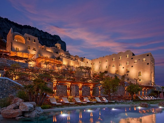 20150327-327-5-amalfi-hotel
