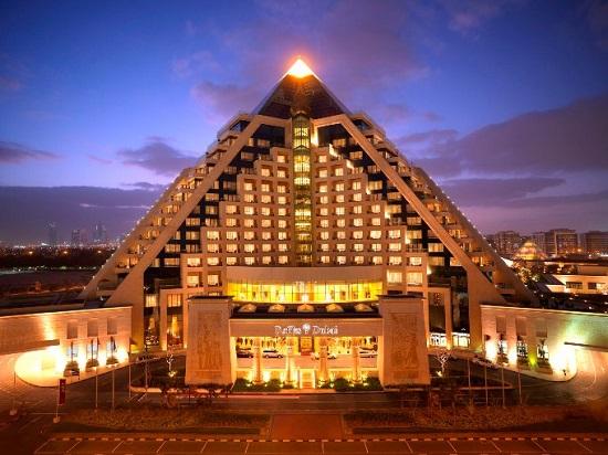 20150522-369-10-dubai-hotel