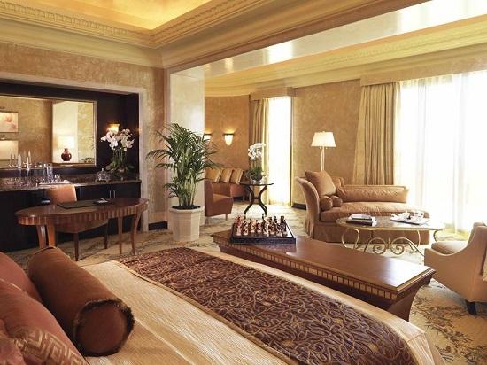 20150522-369-12-dubai-hotel