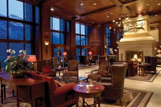 20150821-476-8-banff-hotel