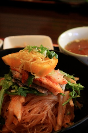Bibim naengmyeon, nouilles froides piquantes