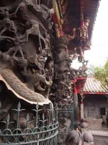 Célèbres poteaux du temple