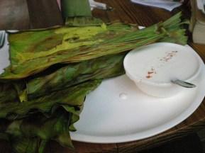 Panaki (pâte de riz étouffé dans la feuille de banane), mon moment de luxe, pas profité, trop malade… (Ahmedabad)