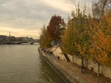 C'est l'automne à Paris*パリも秋の色
