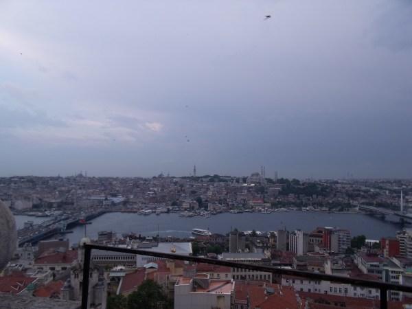 """トルコ イスタンブール 新市街""""古くて新しい"""""""