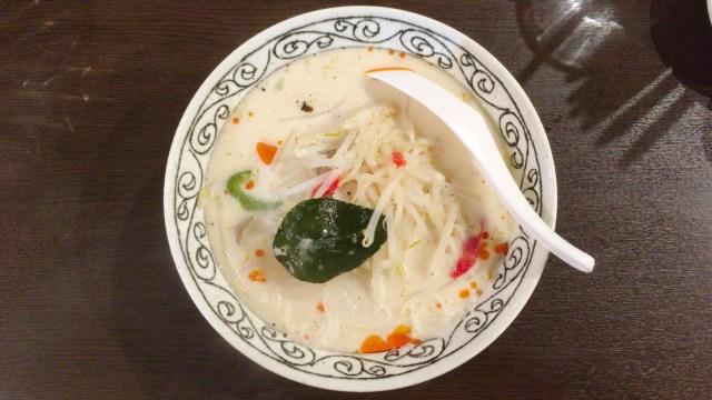 稲毛区穴川のバグースにて本格エスニック!新メニュー「極細米麺センミー」を使用したスープ麺を堪能