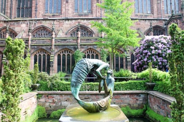 チェスター大聖堂の中庭