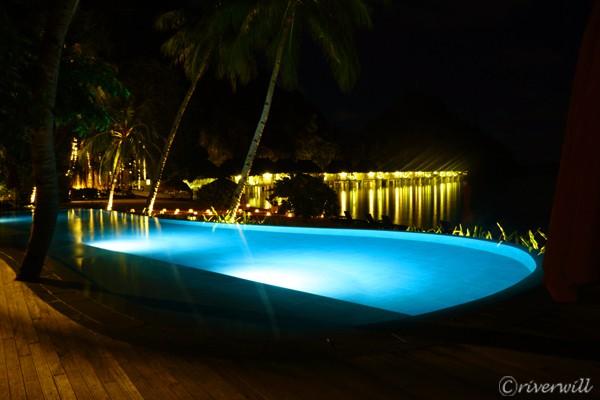 エルニド アプリット島 夜のプール El Nido Apulit island Resort