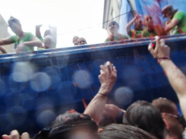 トマト祭り_トマトのトラック到着_02