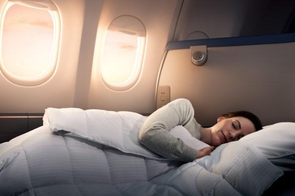 DELTA_A330 Delta One