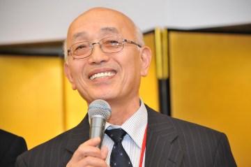 来賓ご挨拶、日本秘湯を守る会名誉会長・佐藤好億様