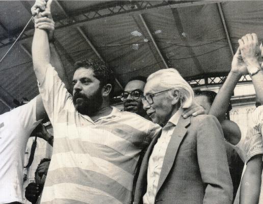 Resultado de imagem para fotos de João Amazonas com Lula