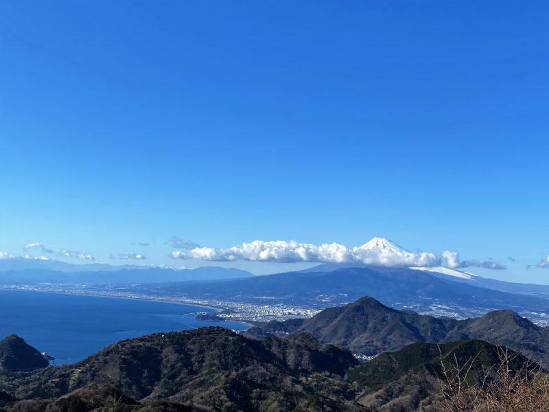 「伊豆の国パノラマパーク~富士山・駿河湾・恋人の聖地~富士見テラスからの絶景がおススメ!」のアイキャッチ画像