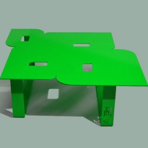 Table basse design seventies verte