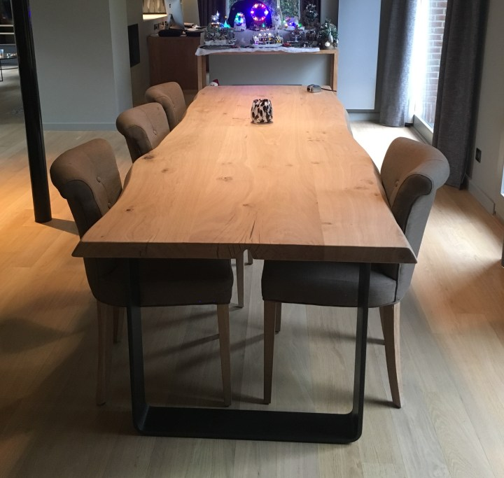 table de salle à manger bord live edge
