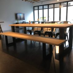 table et banc en chene massif