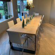 Table Caractère Diane : Caractère chêne massif 300x93cm / Vitrification / paire de pieds pliés en 12cm x 15m brut