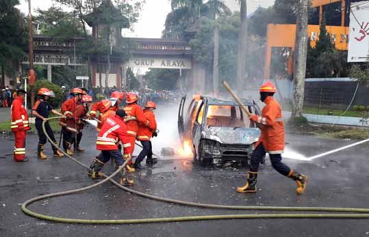 Angkut BBM, Mobil Espass Terbakar