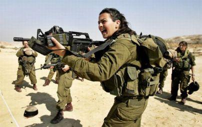 dziewczyny z izraelskiej armii - w czasie ćwiczeń