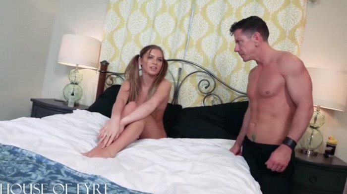 Summer Brooks – Horny for Stepdad