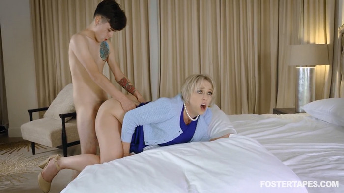Dee Williams – Foster Mom Demands Insemination