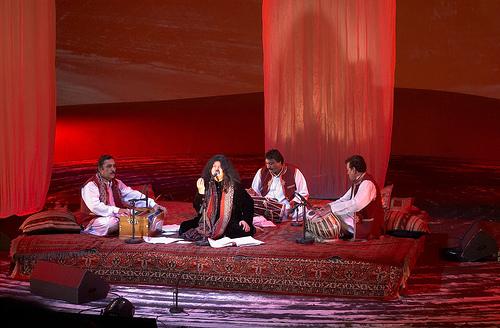 Abida Parveen - Queen of Sufi Music 2007