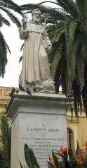Foto 3 - Statua sant'Antonino nella piazza omonima, Sorrento