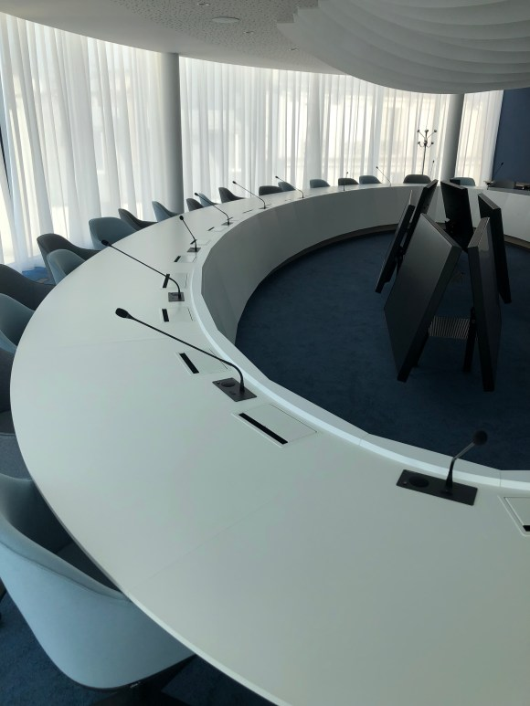 atelierTachas banqueDeFrance banque agencement design menuiserie espace mobilierDesign france amenagement